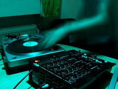 DJ Albright Again (!leahpar) Tags: party urban music house club night germany cool europe dj hessen frankfurt vinyl mixer clubbing turntable nightclub techno electronic clubculture trance newyearparty dreieich albright newyearseve05 djalbright