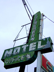 Evergreen Motel (Curtis Gregory Perry) Tags: neon sign night bright light northwest glow colorful retro vintage old wonderful beautiful vanishing signage hotel motel lodging room chain signs placard instruction instructions glowing pretty color colourful colour ne gas tube glass electric electricity electrical inn motorcourt motorhotel motorinn motorlodge suites vacancy classic important dying glowed tubes neons neonic نيونيّ إشارة ضوء توهج 霓虹灯广告光焕发 نيون 氖 néon νέο ネオン 네온 неон 标志 標誌 teken signe zeichen σημάδι segno 印 표시 sinal знак muestra 光 licht lumière φωσ luce ライト 빛 luz свет