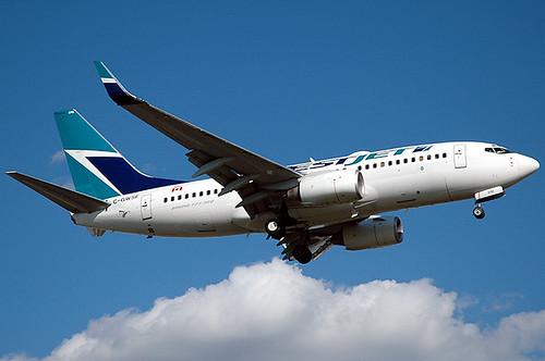 Westjet's 737-76N C-GWSE