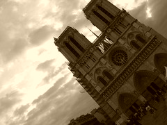 NOTRE DAME DE PARIS (v@liu) Tags: paris sky topphotoblog notredame ciel church cathedrale architecture