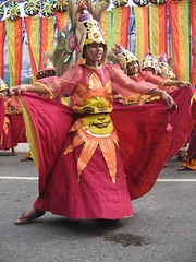 Sinulog Grand Parade 2006 [28] (wantet) Tags: philippines parade cebu sugbo mardigras sinulog streetdancing wantet sinulog2006