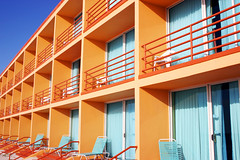 tropical hotel (romanlily) Tags: orange beach architecture square hotel florida pasadena standard soulless uniformity
