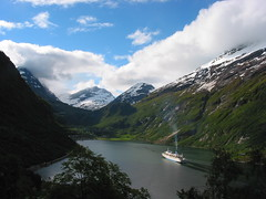 (xim-crow) Tags: 2005 sky snow norway ferry canon landscape boat holidays ciel fjord neige bateau paysage geiranger norvge ximcrow