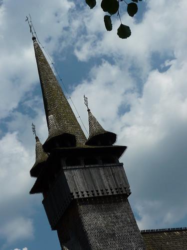 Budesti - church, Biserica de lemn Sfântul Nicolae., spire