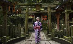 Yukata Girl in Fushimi-Inari (Filipe Madureira) Tags: pink girl japan temple japanese kyoto gate dress inari gates fox blonde  yukata kimono torii kami fushimiinari vermillion fushimi jinbei    kamii fushimiku