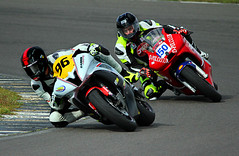 wh 96 00001a (Phil Newell) Tags: wales bikes racing motorbike yamaha bikeracing motorracing racer anglesey motorbikeracing angleseycircuit jamieharris yamaha600 wirral100 wirralhundred