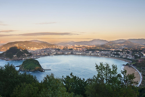 spain-basque-inn-to-inn-camino-del-norte-san-sebastian-panoramic-c-shutter