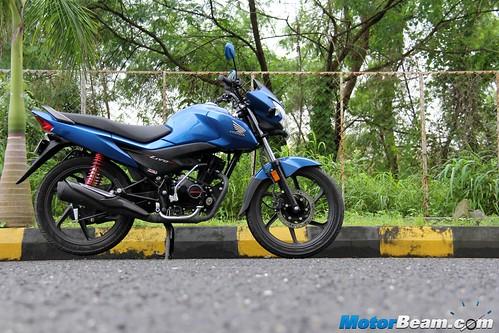 2015-Honda-Livo-16