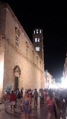 Dubrovnik Nightlife (megaroscio) Tags: campanile nightlife placa dubrovnik notturna vita monastero stradun folla