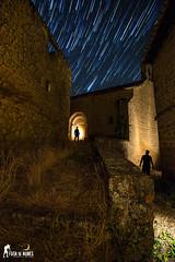 EDI_08 (Fuga de Nubes) Tags: nikon tamron maglite estaesnavarra peña circunpolar ecuadorceleste startrail fotografianocturna largaexposición abandonos siluetas landscapes paisajes estrellas stars