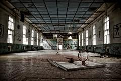 Darkstyle - Lost Place GER - Gym I (Jualbo FOTO) Tags: lost place ger germany deutschland darkstyle dark style gym sporthalle sport halle turnhalle russisch militär ddr the galaxy old decay