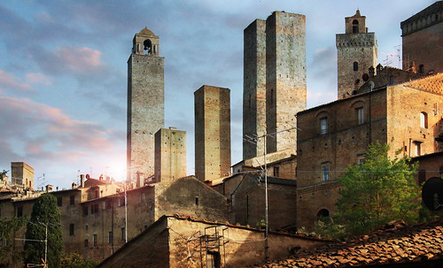 "Torres legendarias / Faros, minaretes, campanarios, rascacielos • <a style=""font-size:0.8em;"" href=""http://www.flickr.com/photos/30735181@N00/32493404336/"" target=""_blank"">View on Flickr</a>"