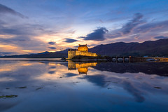 Eilean Donan Castle at Dusk (Uillihans Dias) Tags: eileandonancastle scotland highlands uk greatbritain gb nightexposure nightsky dusk northscotland hdr luminositymask reflection lake loch sea castle architecture mountain highdynamicrange beautiful