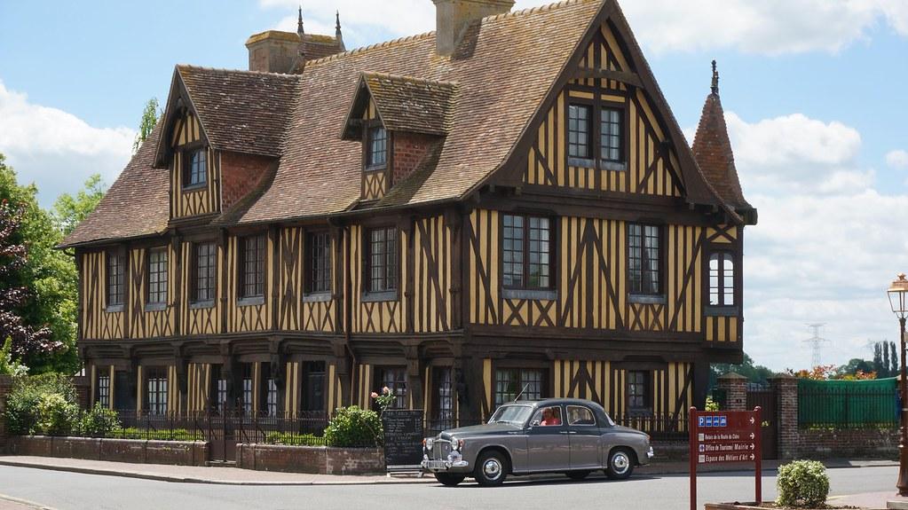Maison en bois en normandie cool maison agc entremer with for Garage rover rennes