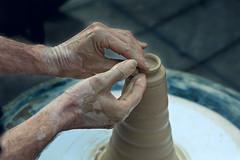 Alfarería (quinoal) Tags: 0428 manuelvázquezprieto alfarería alfarero artesanía artesano barro arcilla manos hands hechoamano quino quinoal málaga
