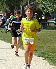 Triathletes (Cavabienmerci) Tags: kids triathlon 2016 yverdon les bains switzerland suisse schweiz kid child children boy boys run race runner runners lauf laufen läufer course à pied sport sports running triathlete