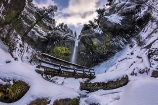 Elowah Falls in winter