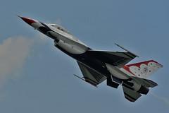 Thunderbirds F-16C opposing solo #6 slow fly-by (skyhawkpc) Tags: 6 nikon solo aurora co thunderbirds usaf allrightsreserved fightingfalcon f16c aurorareservoir rockymountainairshow garyverver unkbuno
