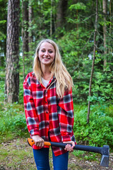 Barunka | Lumberjacks woman (C H) Tags: wood nature girl beautiful beauty shirt republic czech axe lumberjack fiskars liberec tschechisch reichenberg czechgirl