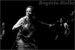Sharon Jones (Rogrio Stella) Tags: show stella people bw music white black branco portraits banda photography jones photo cantor concert nikon photographer tour song retrato live stage gig performance band blues sharon pb preto give want bands rogerio portraiture sing soul idol singer instrument what they fotografia documentation venue instruments legend diva msica musa rb canto rhythm palco vocal fotojornalismo the dolo lenda apresentao 2015 documentao documentarist
