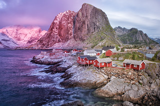 Reine's Changing of the Seasons
