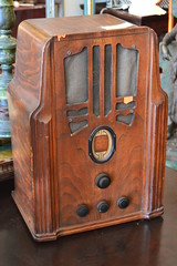"Philco Radio • <a style=""font-size:0.8em;"" href=""http://www.flickr.com/photos/51721355@N02/19965488448/"" target=""_blank"">View on Flickr</a>"
