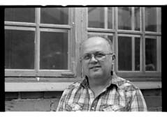 Father (A.Sundell) Tags: street old urban bw film zeiss vintage blackwhite sweden tmax streetphotography rangefinder swedish sharp d76 contax german 400 uppsala epson sverige v600 tmax400 tmy contaxiia svartvit fixer homedeveloped gatufoto mätsökare