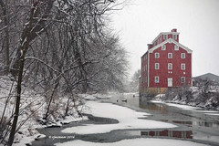 Potter's Mill2_163299 (rjmonner) Tags: rural red snowing mill pottersmill iowa restored relic jacksoncounty bellevue