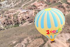 Cappadocia, Turkey (Nicolay Abril) Tags: airelibre capadocia kapadokya cappadocia globos globes hotairballoons hotair balloons turquía turkey hotairballoon balloon sıcakhavabalonu balon balonlar ballonàairchaud ballon ballons globodeairecaliente globo hotairballooning mağara mağaralar grotte grottes cueva cuevas cave caves paisajes paisajesrocosos manzaralar kayalıkmanzara paysages paysagesrocheux landscapes rockylandscapes cielo nubes sky clouds ciel nuages nuvole skyporn cloudporn hemel wolken небо облака bluesky cieloazul голубоенебо gökyüzü bulutlar mavigökyüzü colores colors colours kleuren farben couleurs renkler renk renkli göremetarihimilliparkı