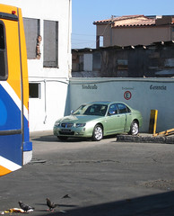 A Rover 75 - in Tijuana!? (vetaturfumare - thanks for 3 MILLION views!!!) Tags: tijuana mexico rover 75 facelift green bus pigeon garbage estacionar gerencia connoisseur