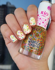Colorama - Pétala Branca + Dance Legend - 3 (Rio) (Mireille Balieiro) Tags: branco glitter neon nailpolish esmalte colorama dancelegend
