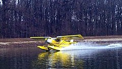 701_amph_water_take_off