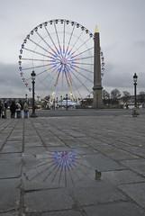 reflection (wirsindfrei) Tags: paris france frankreich reflection bonjourtristesse placedelaconcorde spiegelung nikond60 nikon streetphoto outdoor grey riesenrad bigwheel wheel