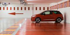 Parking rouge (Nathalie Falq) Tags: aveyron france midipyrenees occitanie projet52 rodez architecture formatpanoramique paysage paysageurbain red rouge voiture fujifilmxt1 xf1855mmf284rlmois fujifilm