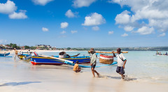 Fishermen's lifes..Vies de pêcheurs..Bali (geolis06) Tags: geolis06 bali 2015 asie asia indonésie indonésia jimbaran olympusem5 olympus olympusm1240mmf28 baliindonésieindonesiajimbaranpêcheurfishermanomd em 5