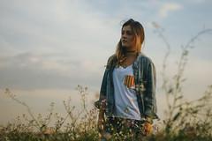 (Ana Caprini) Tags: flowers sunset brazil green girl field silhouette brasil canon hype campo campinas canoneosrebelxti anabastoscaprini