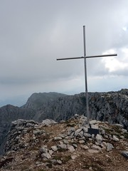"Monte Sirente's summit cross • <a style=""font-size:0.8em;"" href=""http://www.flickr.com/photos/41849531@N04/19564326600/"" target=""_blank"">View on Flickr</a>"