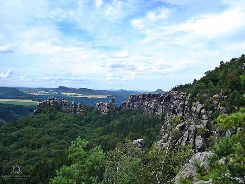 Schrammsteine (mit Festung Königstein & Lilienstein im Hintergrund)