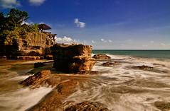 Tanahlot | Bali (frata60) Tags: nikon d300s bali tanahlot season sea seascape tempel temple landscape landschap luchten lucht sky skyscape indonesia indonesië le rocks rotsen strand beach