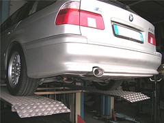"bmw_525i_38 • <a style=""font-size:0.8em;"" href=""http://www.flickr.com/photos/143934115@N07/31897430876/"" target=""_blank"">View on Flickr</a>"