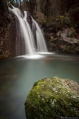 Rio de seda (Pablo Mauriz Photography) Tags: aguadulce bosque cascada entorno europa galicia largaexposicion piedra rio sansaturnino narahío water waterfall