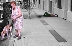 (juliayeger) Tags: indifference poberty old woman lady dog moody street man asleeo asleep indigencia hombre pobreza indiferencia loneliness soledad colored bw black white salpicadura de color