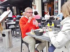 2015-06-20   Reims - L'édito - 74-80 Place Drouet d'Erlon (P.K. - Paris) Tags: street people café june juin terrace candid terrasse sidewalk reims rheims 2015