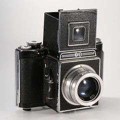 Agilux - Agiflex II (cazphoto.co.uk) Tags: slr vintagecamera singlelensreflex 120rollfilm agilux agiflex yn560speedlite canoneos5dmkiii canon100mmeff28lisusm agiluxanastigmat80mmf35