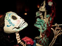 Que sirvan las otras (Totomoxtle) Tags: photo foto arte handmade mexican mano curious far muñecas artesania hecho artesanos cartoneria