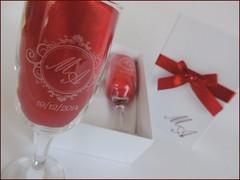 Kit Duplo Branco com Vermelho (contato@mondy.com.br) Tags: lembrana casamento taas brinde madrinha pais noivado padrinho noivos personalizados noivinhos brases caixasparapresente