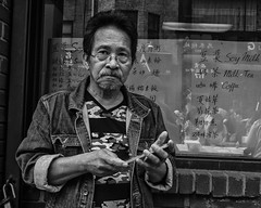 10th Street near Arch Street, 2016 (Alan Barr) Tags: philadelphia 2016 10thstreet archstreet street sp streetphotography streetphoto blackandwhite bw blackwhite mono monochrome candid people olympus omd em5