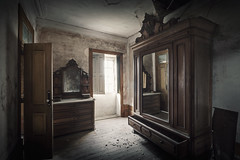 Fantasy mirrors desire. Imagination reshapes it. (RuiFAFerreira) Tags: abandoned aged decay urbex urban urbanexploration uwa exploration efs1018mmf4556isstm canon 60d hdr house room mood mansion furniture