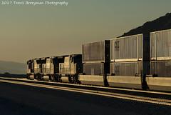 Eastbound stack downgrade approaching Garnet, CA (Travis Berryman) Tags: unionpacific beaumonthill uprr upyumasub desertrailroading