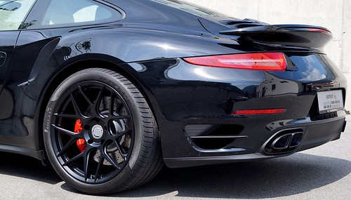 Porsche 911 Turbo Black Edition by Cartech